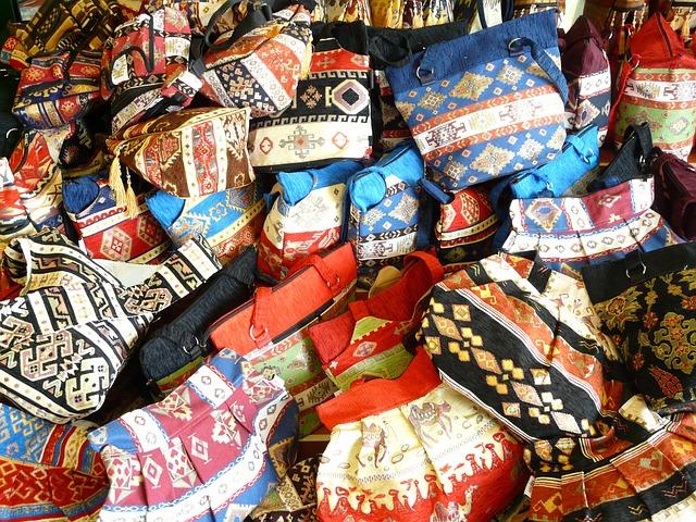 pestrobarevné kabelky