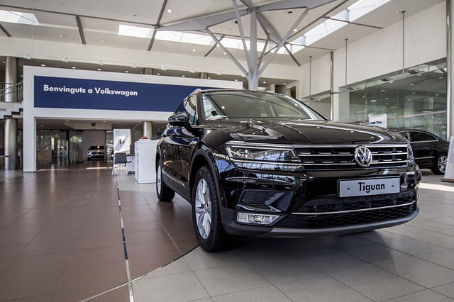 černý Volkswagen