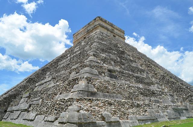 mayský pyramida
