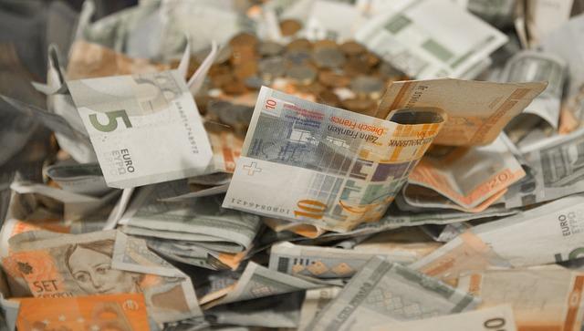 oranžovošedé bankovky