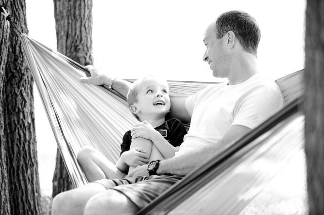otec a syn a houpací síť