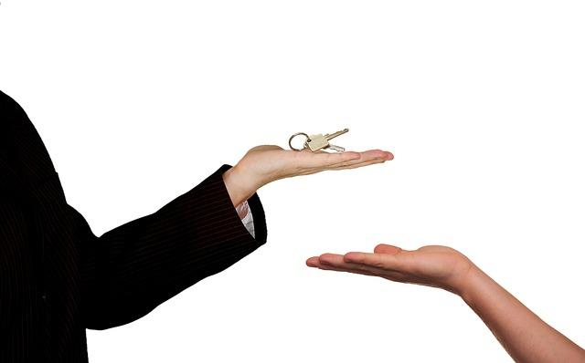 Ruce a klíče.jpg