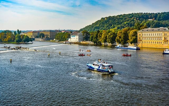 řeka Vltava v Praze.jpg